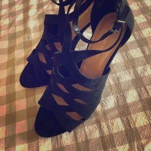 Women's heels with straps